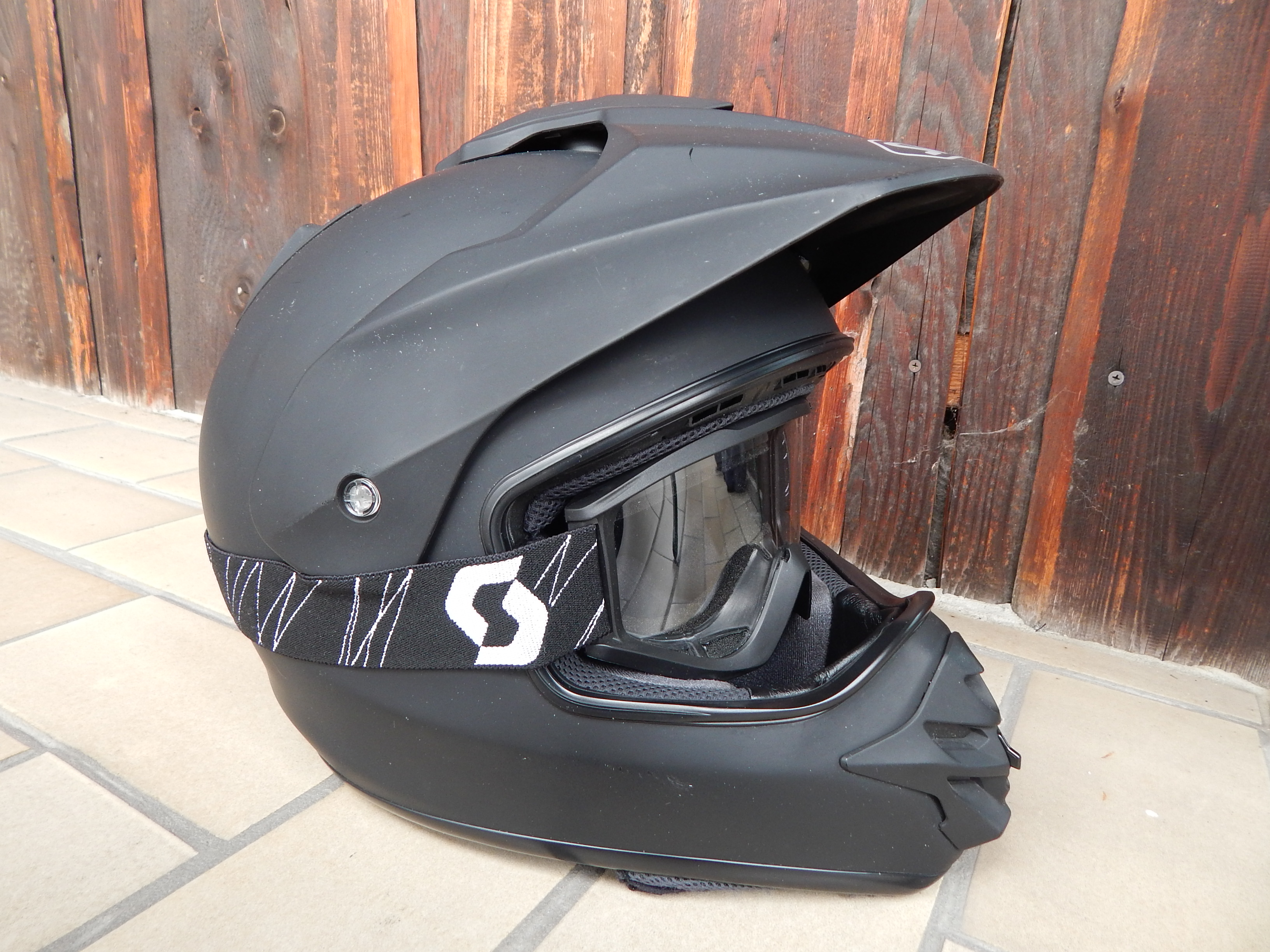 prilba Shoei Hornet DS vel.XL + bryle Scott